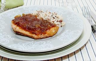 salmon con cebolla caramelizada